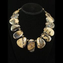 Schalenblende, Pyrite Necklace